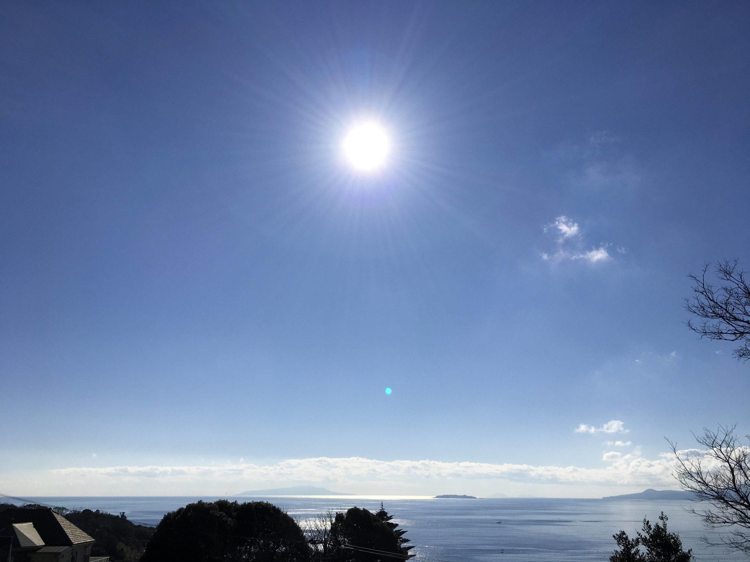 雲の上には、お日様が。ハートの奥には、・・・♡。
